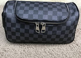 Мужская косметичка Louis Vuitton Toiletry Pouch Damier Graphite