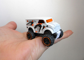 Машинка хотвилс Monster Dairy Delivery Hot wheels Indonesia