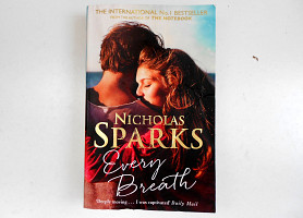 Книга на английском Every Breath Nicholas Sparks Каждый вдох